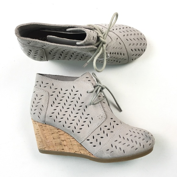 fb310d202ce9 Toms Women s Grey Suede Perforated Wedges 6